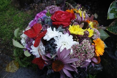 Rõõmus lillekimp